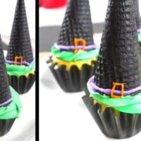 Witch Hat Cupcakes - Easy Halloween Cupcake Idea