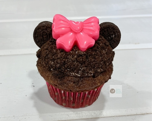 Minnie mouse cupcakes with bows